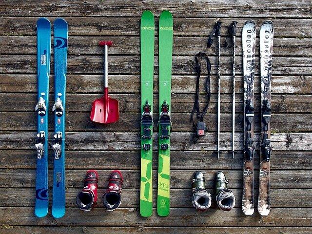 Quel est le matériel nécessaire au ski ?